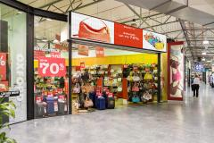 Luggage-retail-indoor-LED-signs